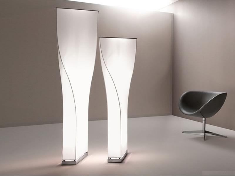 Twisty   lampada design da terra di tonon in metallo e tessuto ...