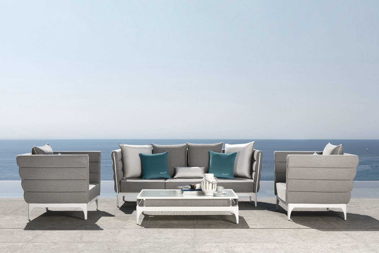 Pad set set design da giardino divano 2 poltrone e un - Set da giardino ...