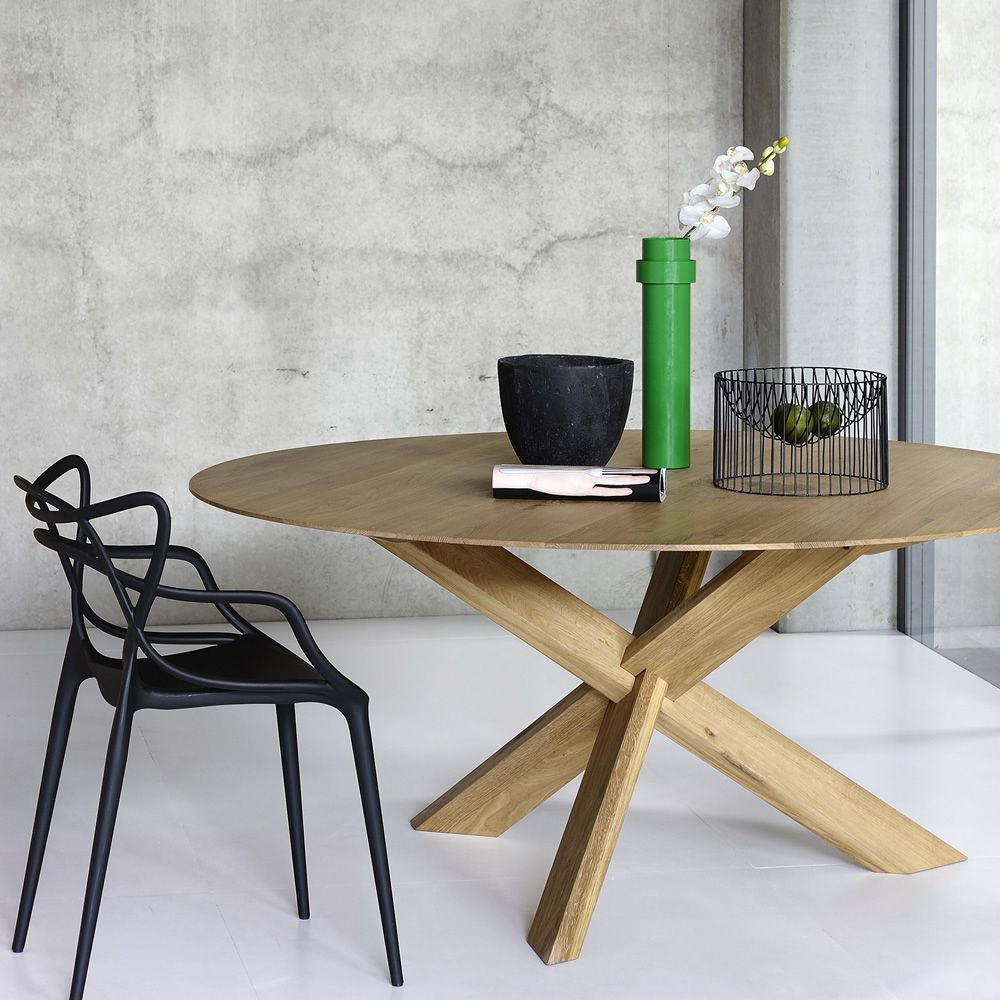 Circle - Tavolo rotondo Ethnicraft in legno, diverse finiture e ...