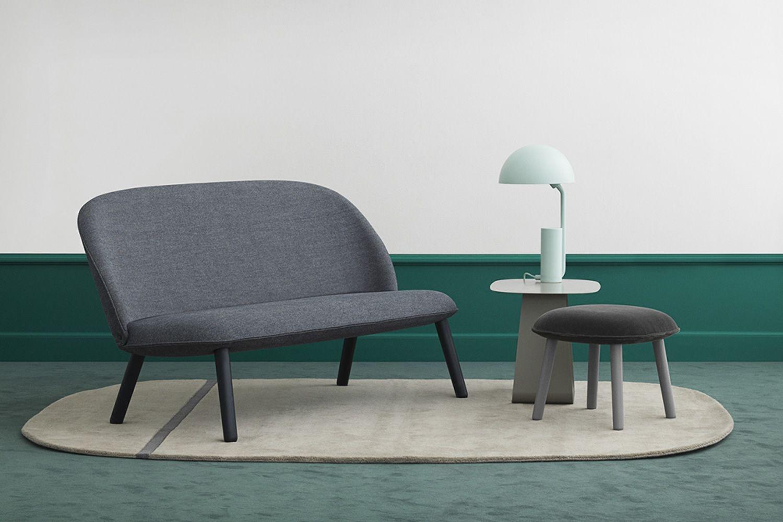 ace s 2 sitzer sofa normann copenhagen mit holzbeinen. Black Bedroom Furniture Sets. Home Design Ideas
