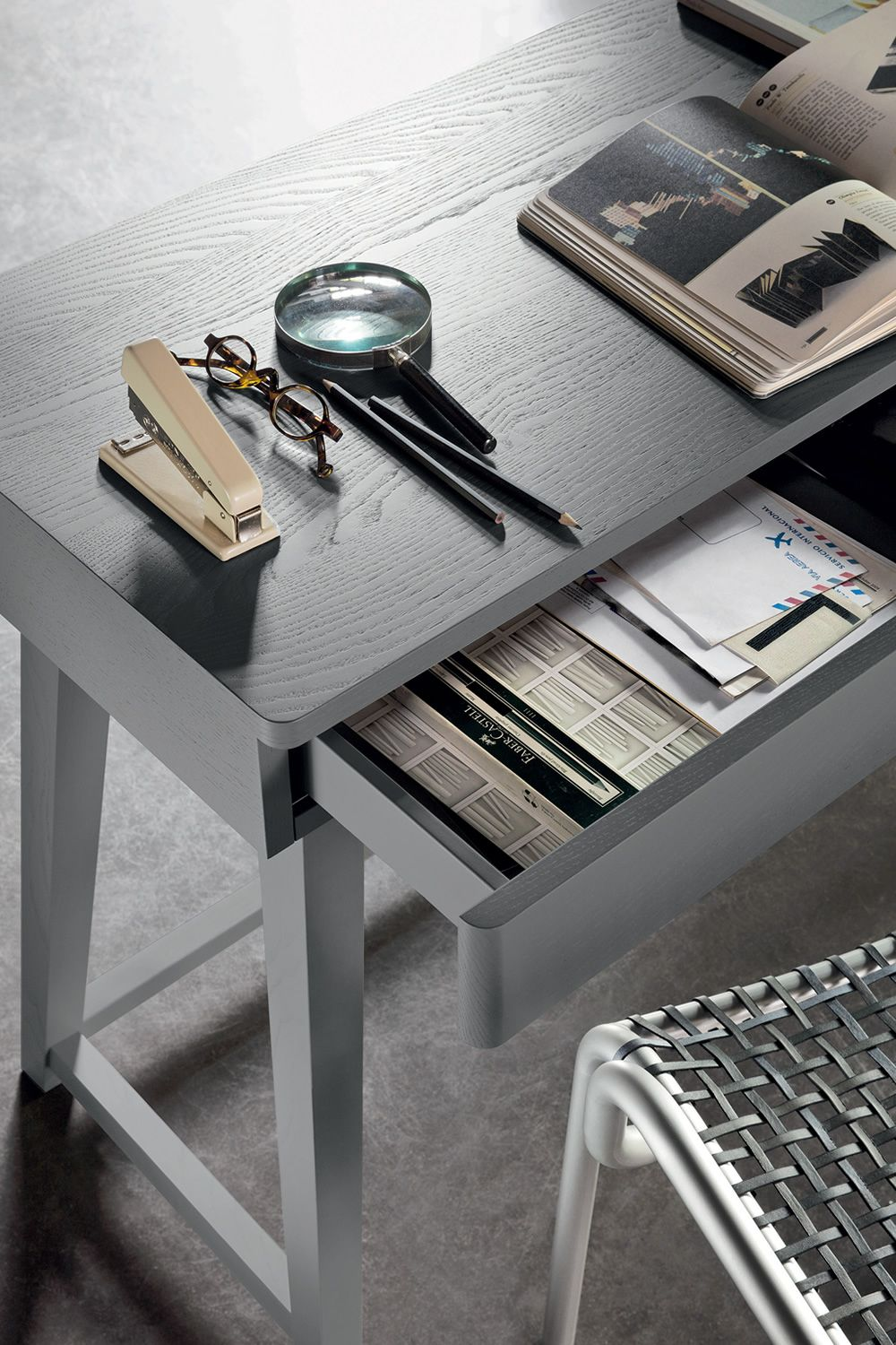 Gray 50 Writing Desk In Grey Lacquered Wood