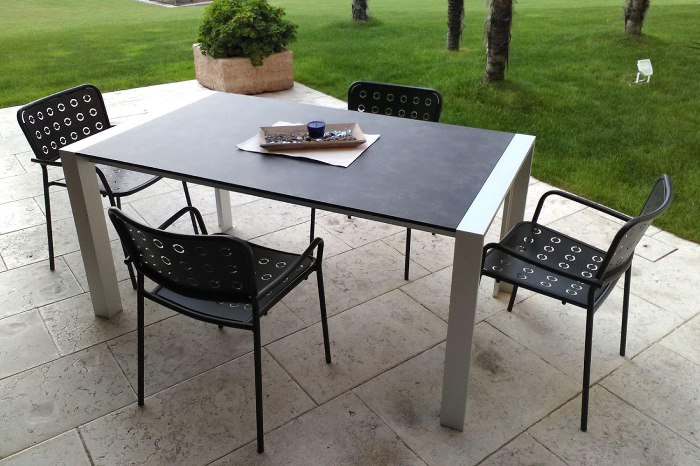 Rig75p silla de metal con reposabrazos apilable para for Sillas con reposabrazos