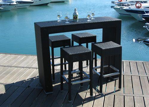 Ar bt pour bars et restaurants set pour les bars et for Table exterieur pour restaurant
