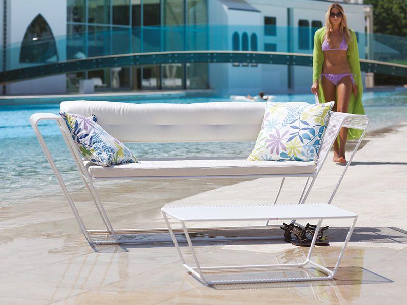 Float set set design da giardino divano 2 poltrone e un tavolino in metallo sediarreda - Tavolino da divano per pc ...