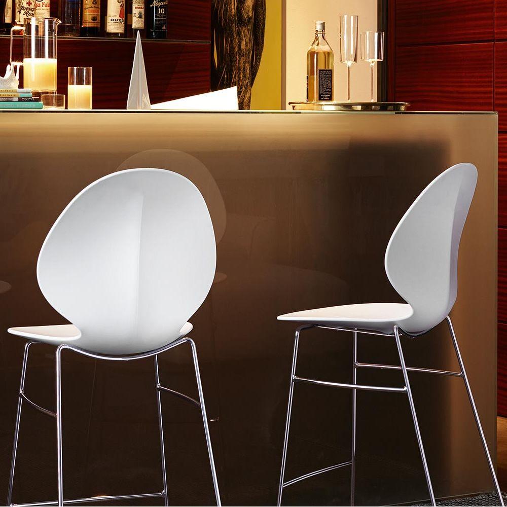 Tabourets en m tal avec assise en polypropyl ne en couleur blanc - Mousse pour assise canape ...