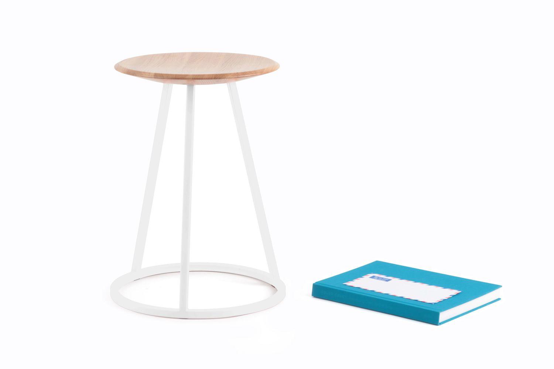 Petit gustave sgabello in metallo e legno altezza della seduta