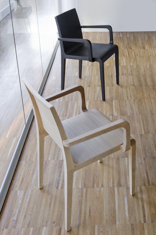 Young 425 designer sessel aus eichenholz in for Designer sessel outlet