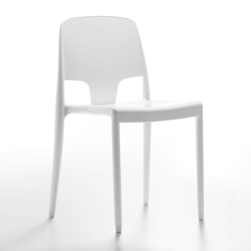 Margot chaise infiniti en polycarbonate empilable disponible en diff rente - Chaises en polycarbonate ...