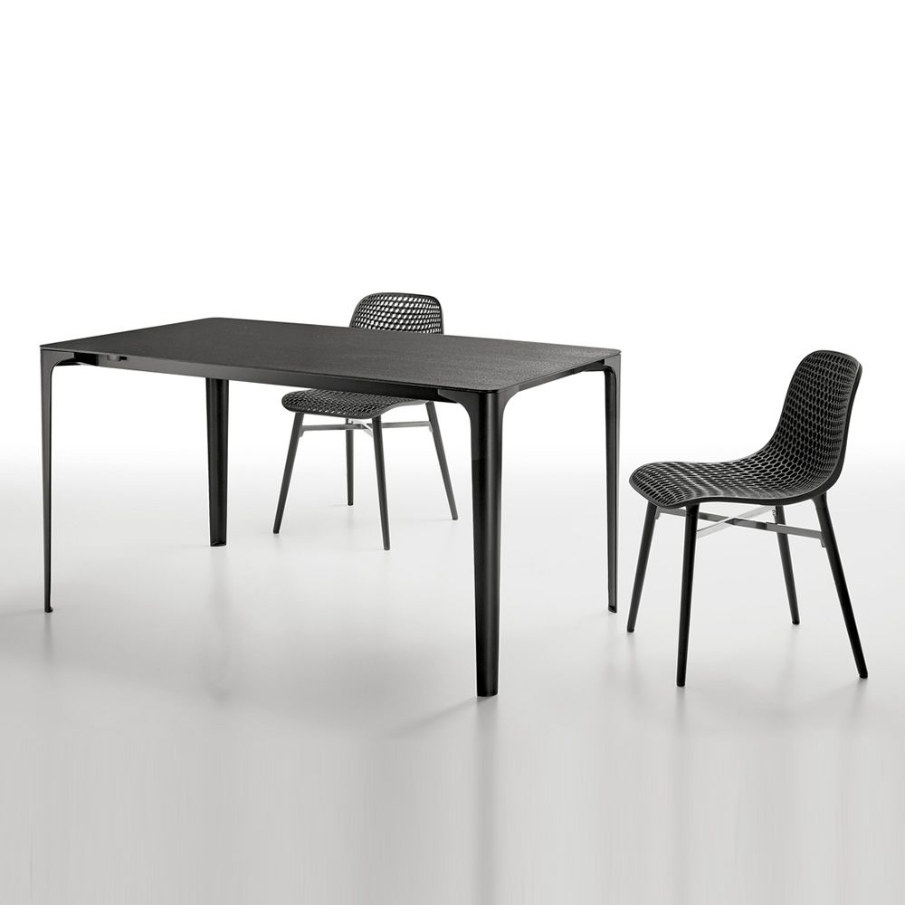 mat verl ngerbarer tisch infiniti aus aluminium platte. Black Bedroom Furniture Sets. Home Design Ideas