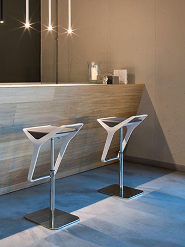 Freedom s sgabello di design in metallo girevole e for Sgabelli design offerta