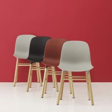 Form-W - Chaise Normann Copenhagen en bois, assise en polypropylène, disponible en différentes couleurs