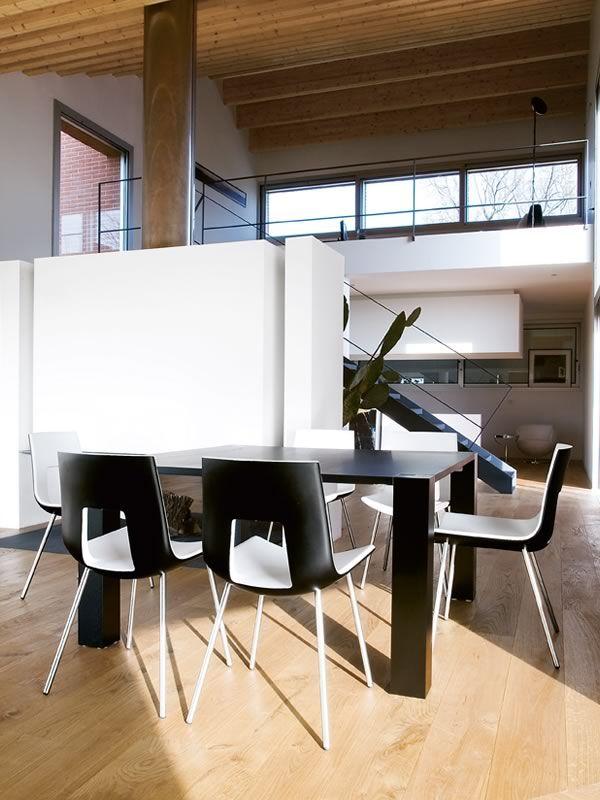 Nine eighteen designer stuhl tonon aus metall und for Designer outlet stuhle