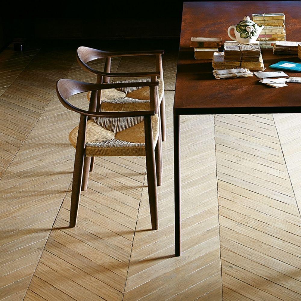 odyss e stuhl colico aus holz mit sitz aus strohgeflecht. Black Bedroom Furniture Sets. Home Design Ideas