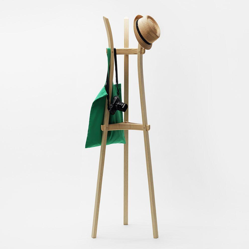 leek kleiderst nder aus eschenholz in verschiedenen farben verf gbar sediarreda. Black Bedroom Furniture Sets. Home Design Ideas
