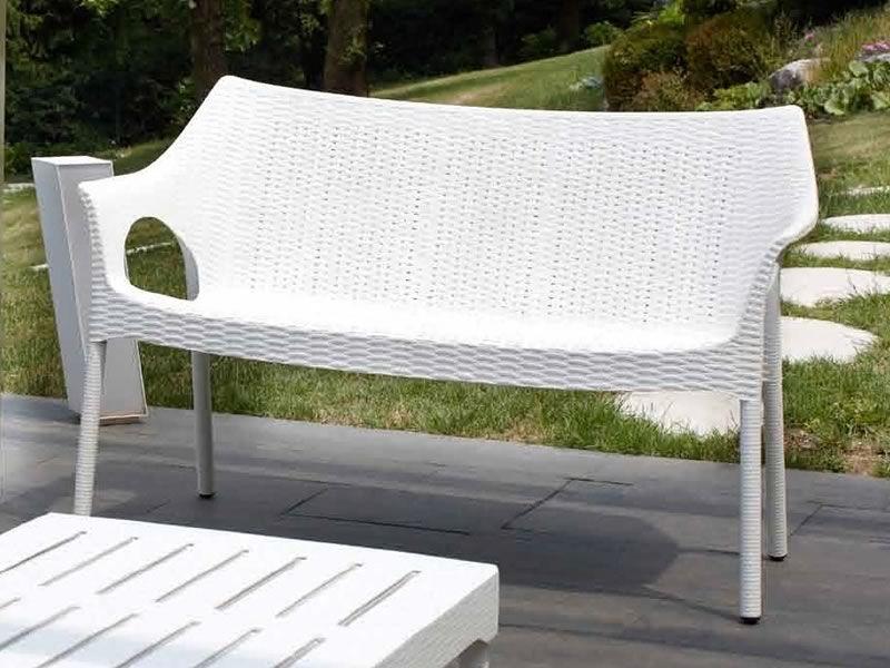 olimpo sofa 1252 sofa aus metal und technopolymer stabelbar in verschiedenen farben verf gbar. Black Bedroom Furniture Sets. Home Design Ideas