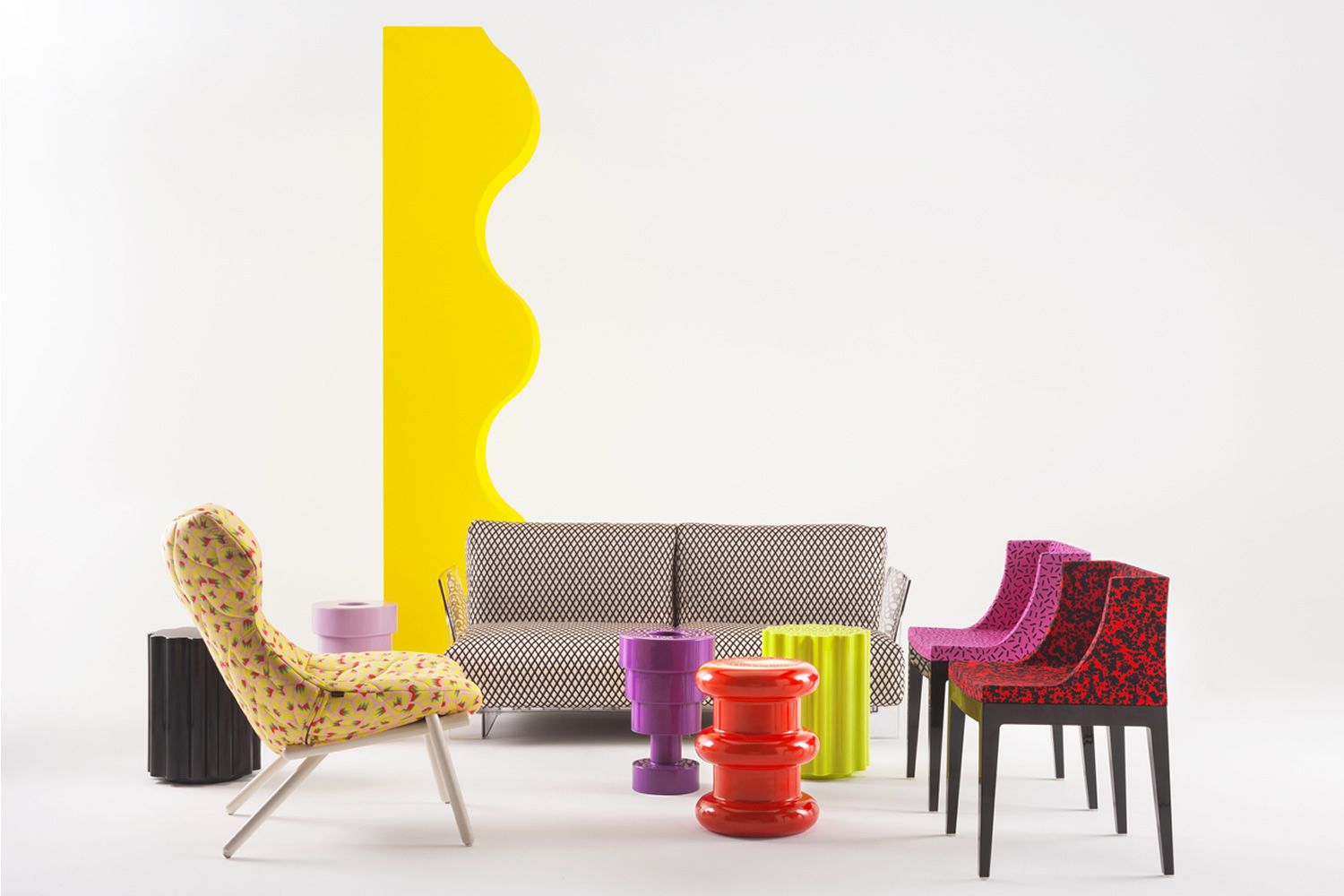 Colonna sgabello di design serie kartell goes sottsass in