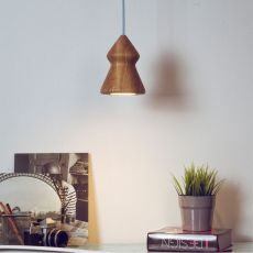 Nojar - Pendant lamp in oak wood available in several shapes, with cable in differen colours
