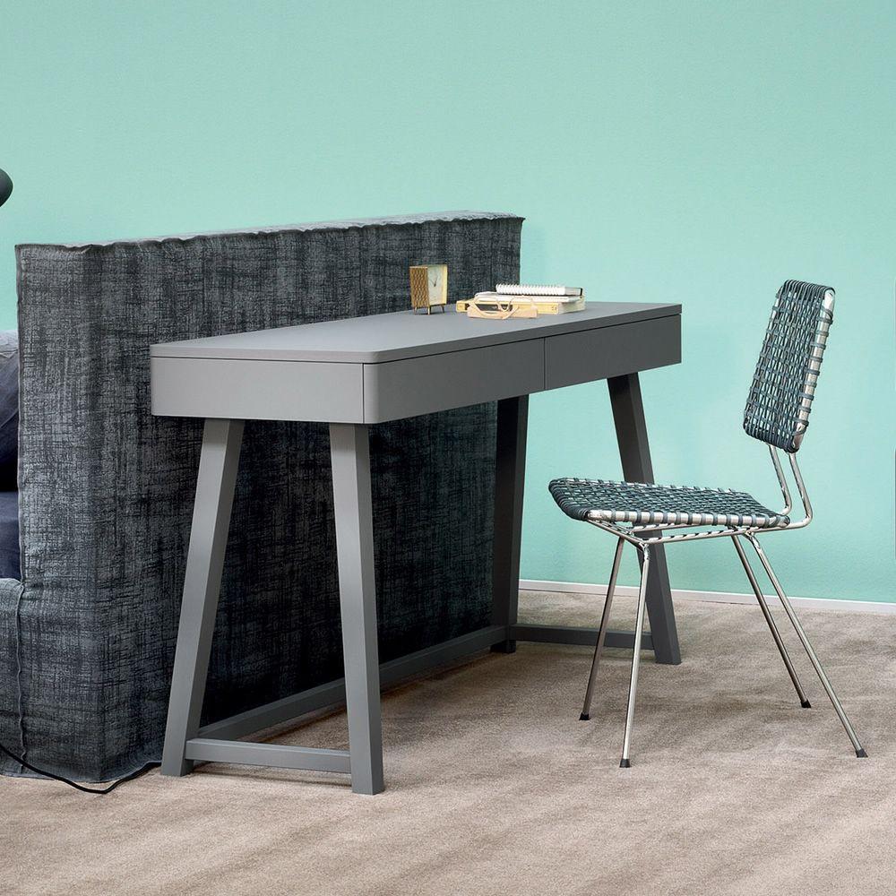 gray 50 schreibtisch gervasoni aus holz mit zwei schubladen sediarreda. Black Bedroom Furniture Sets. Home Design Ideas
