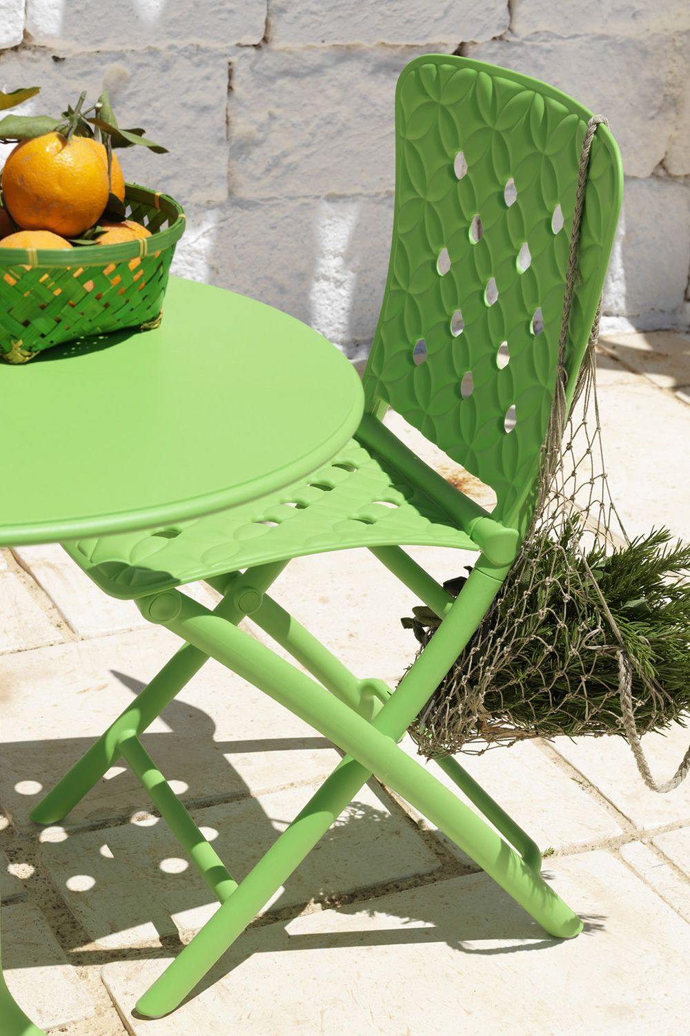 Zac spring silla plegable de polipropileno disponible en for Jardin 7 colores