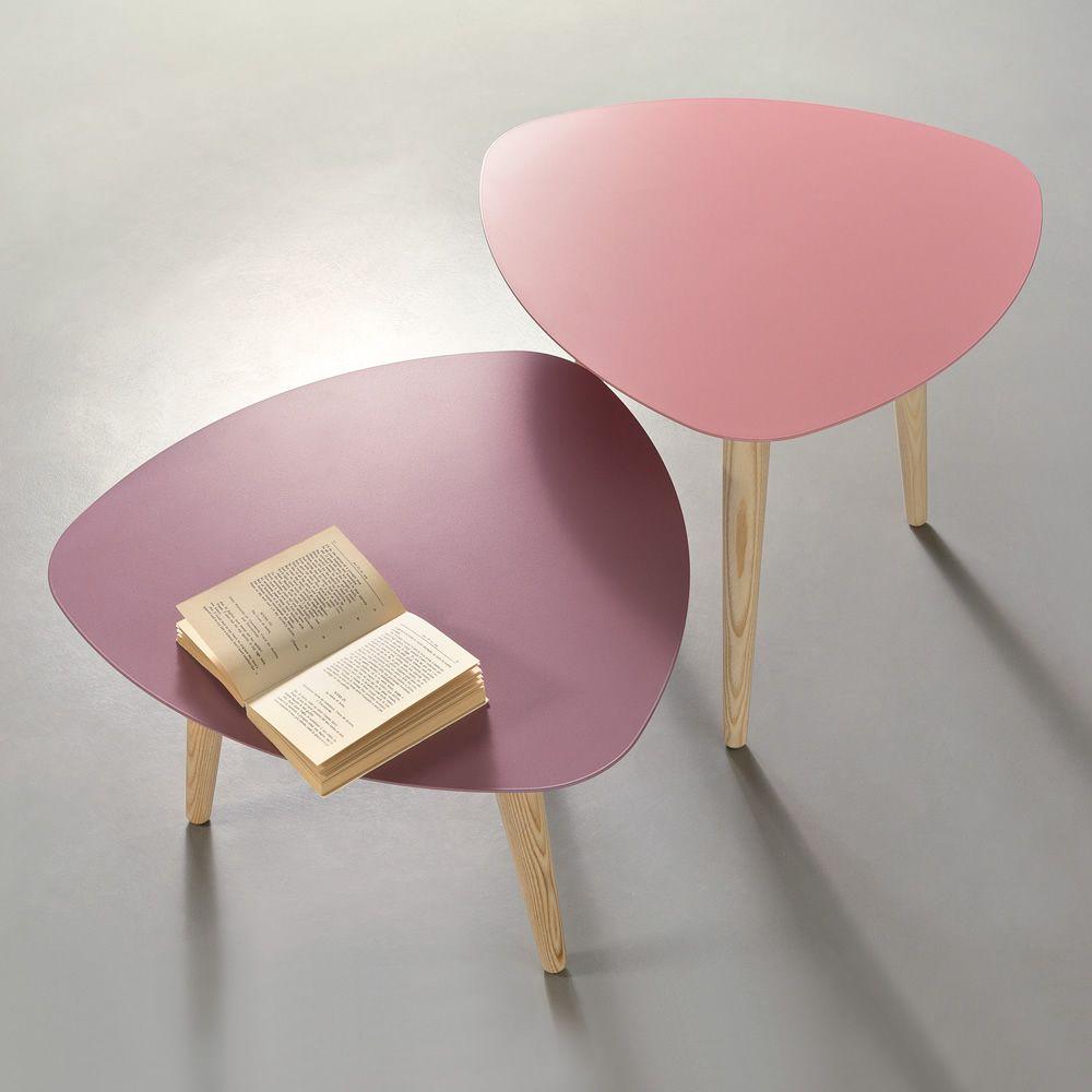 nord1 table basse design en bois pourvue de plateau triangulaire en m tal disponible en. Black Bedroom Furniture Sets. Home Design Ideas