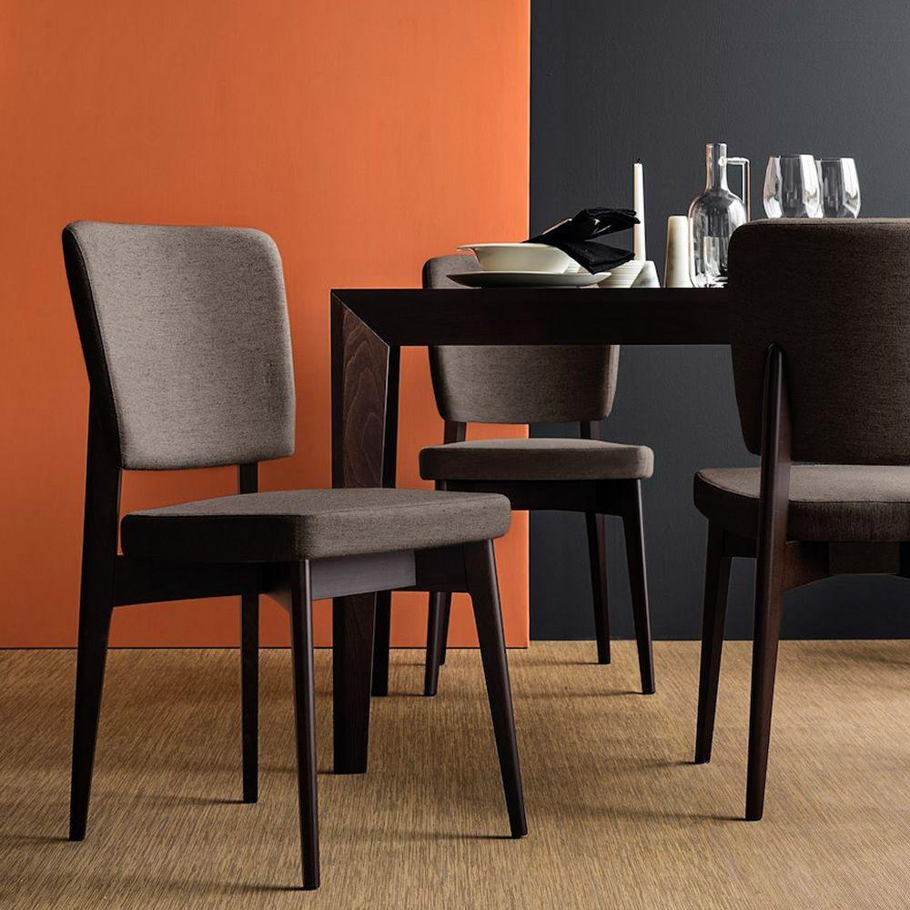 cb1526 escudo chaise connubia calligaris en bois avec assise rembourr e et recouvert en. Black Bedroom Furniture Sets. Home Design Ideas