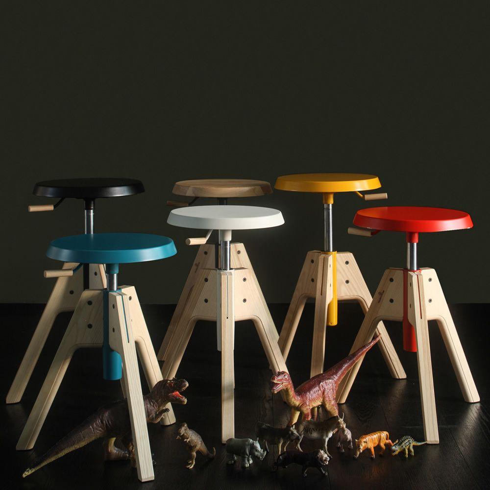 Pico | Sgabello girevole e regolabile in legno di frassino naturale con seduta in MDF, diversi colori disponibili