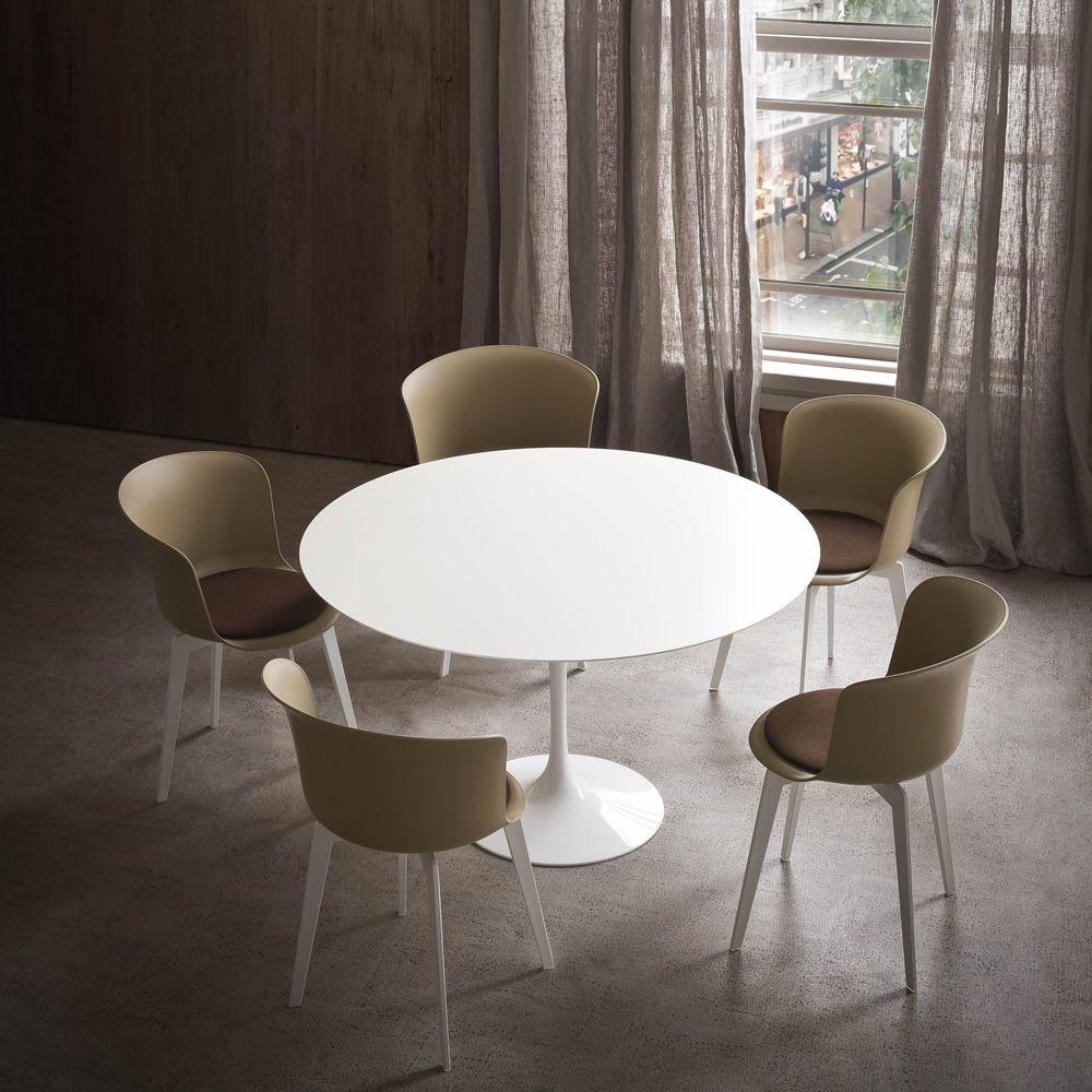 Epica sedia di design in tecnopolimero anche girevole for Sedie design tortora