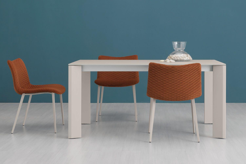 fenice tr stuhl domitalia aus metall sitzbezug aus stoff oder kunstleder in verschiedenen. Black Bedroom Furniture Sets. Home Design Ideas