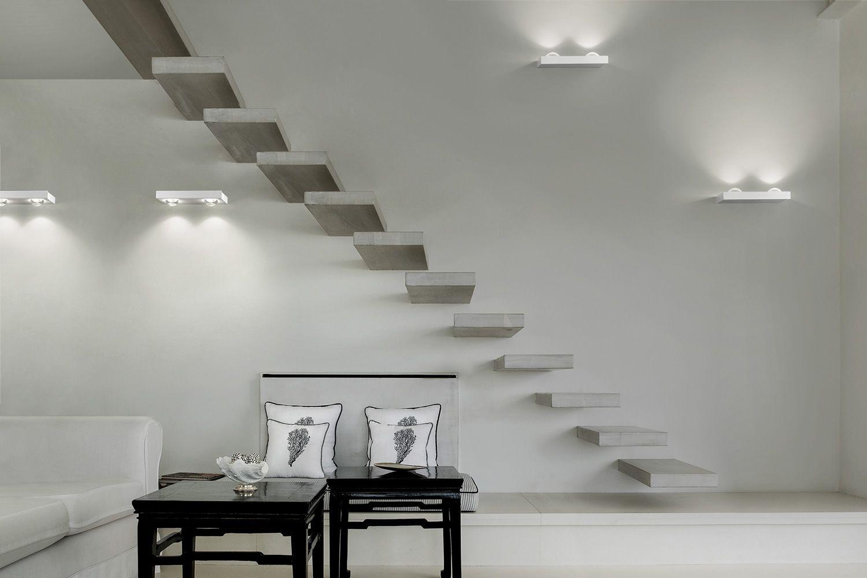 Shelf lampada a parete di design in metallo con luce - Lampada da parete design ...