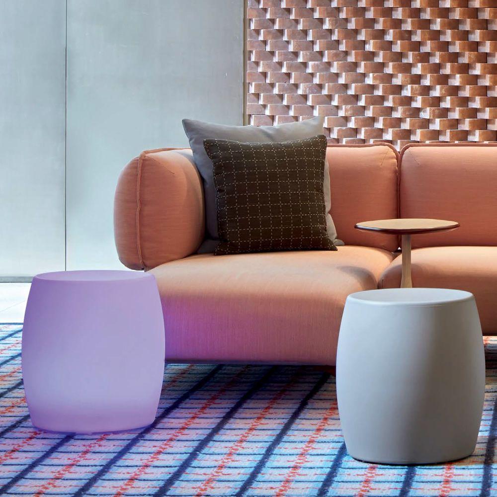 bart niedriger hocker beistelltisch aus technopolymer in verschiedenen farben verf gbar auch. Black Bedroom Furniture Sets. Home Design Ideas