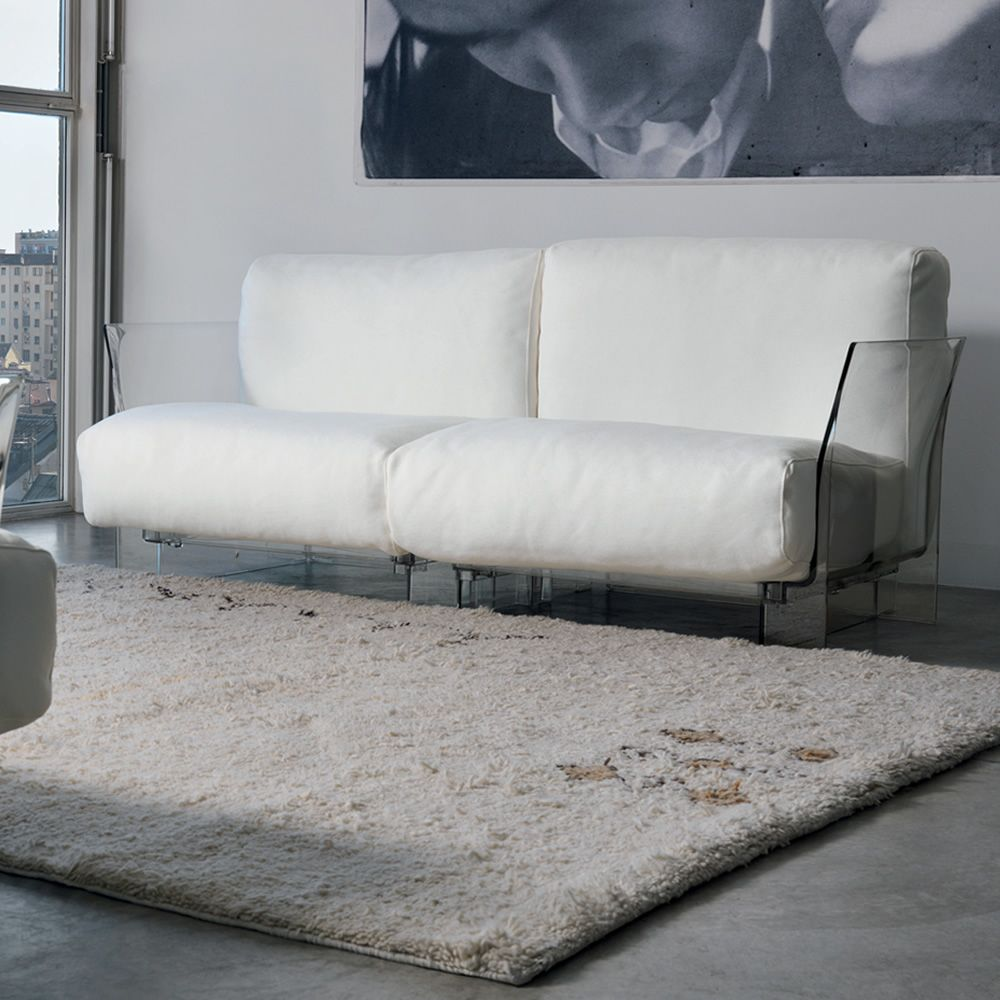 Pop Sofa With Transpa Polycarbonate Structure And Cushions Covered In White Cotton Fabric