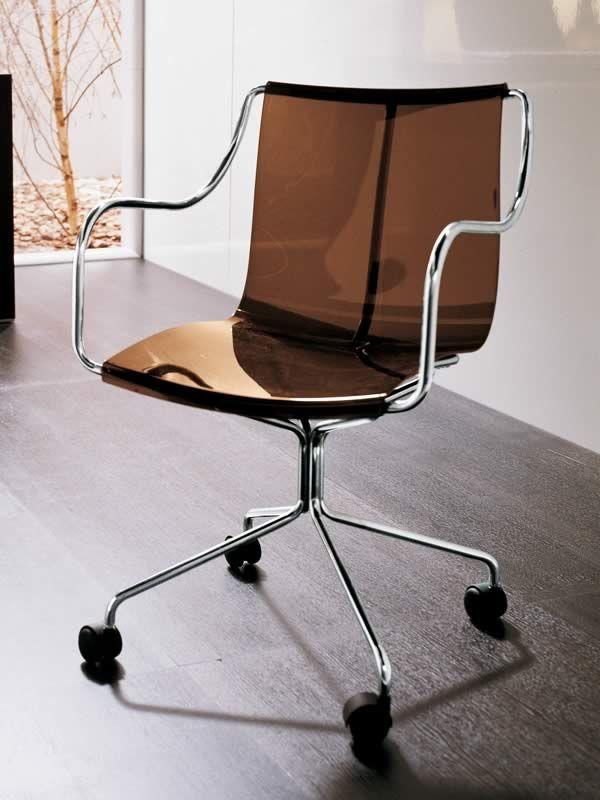 md009 dp b rostuhl mit armlehnen sitz aus holz oder polycarbonat sediarreda. Black Bedroom Furniture Sets. Home Design Ideas