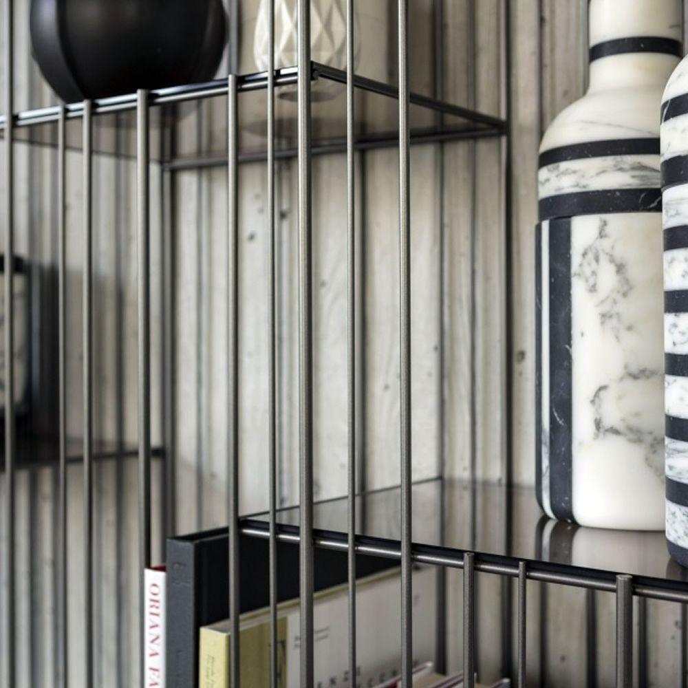 metrica biblioth que mogg en m tal avec des tag res en verre. Black Bedroom Furniture Sets. Home Design Ideas