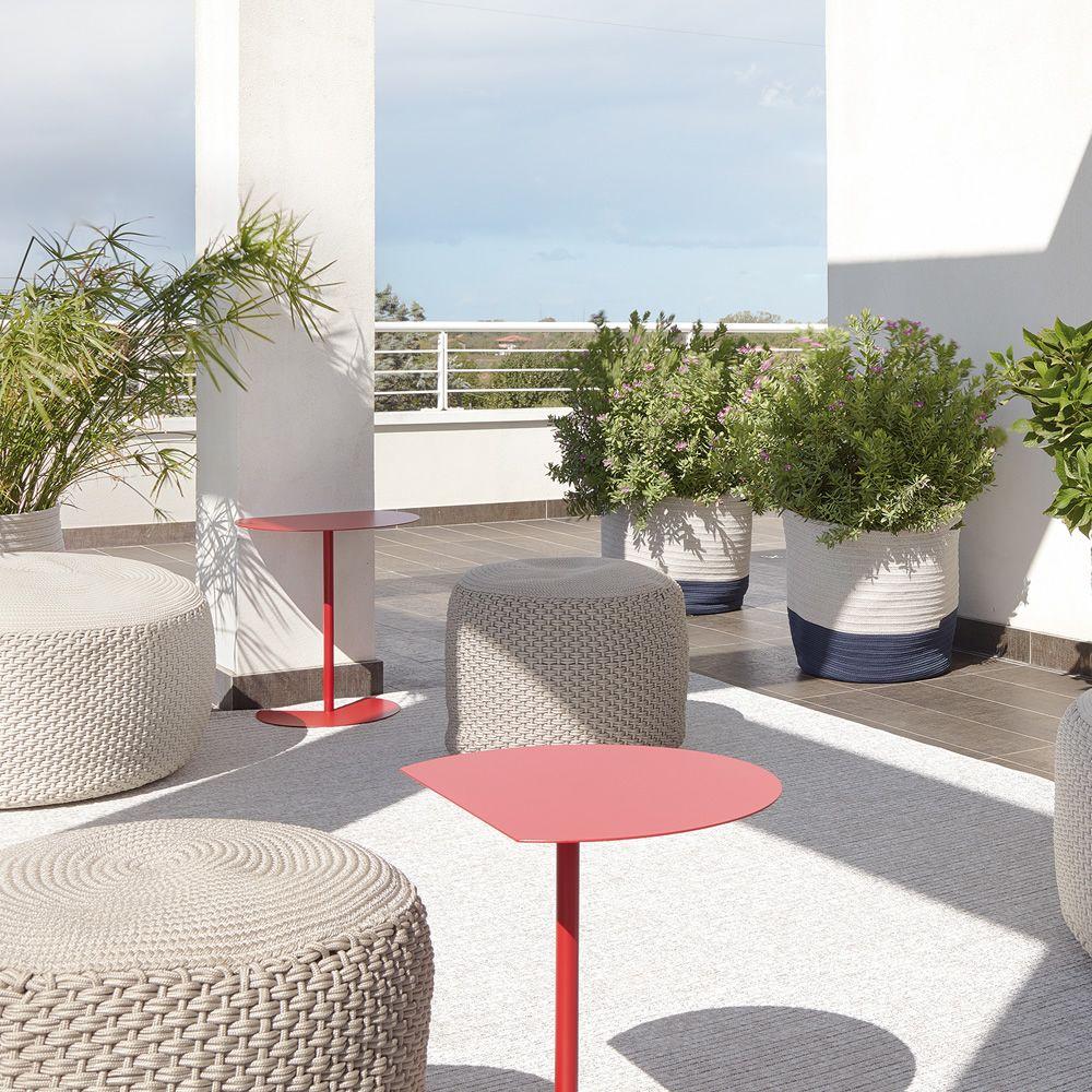 Way Sofa - Petit table design en métal, aussi pour le jardin ...