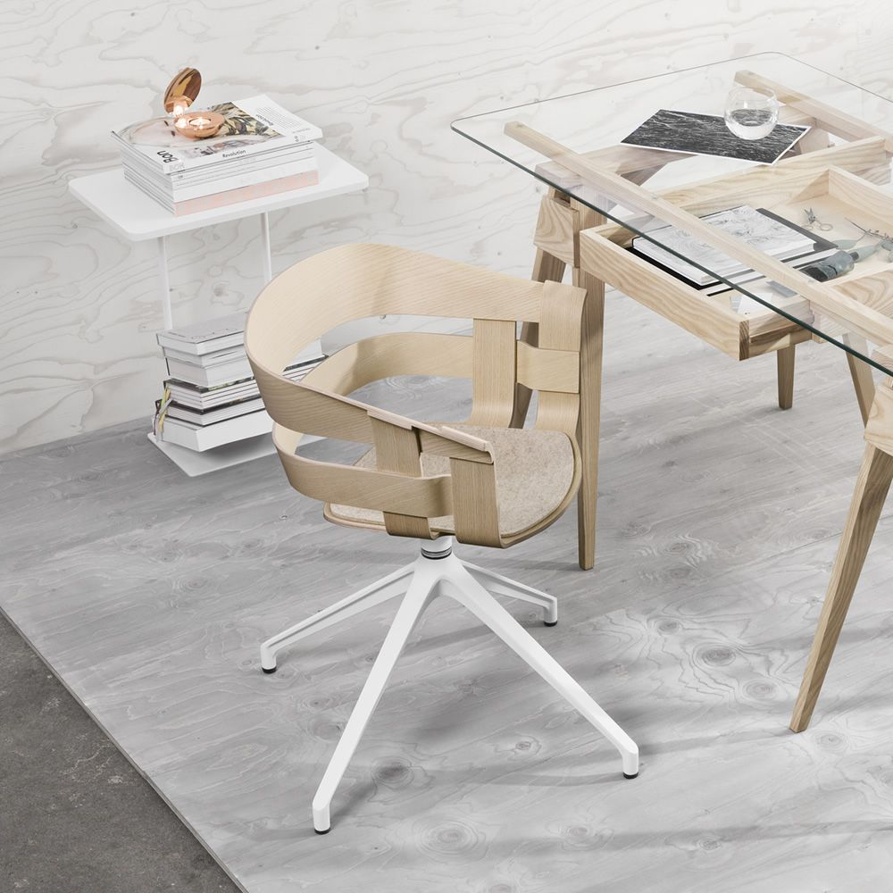 Wick-S: Drehbarer Stuhl aus Metall, Sitz aus Furnierholz, auch mit ...
