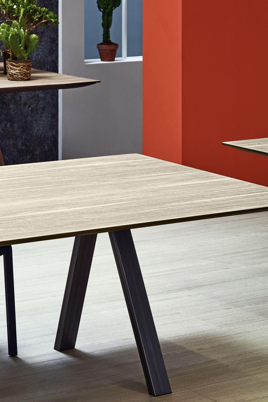 Arki table tavolo di design pedrali fisso in metallo for Tavolo di design in metallo