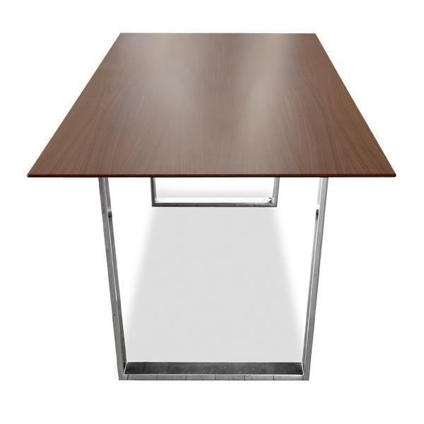 U table tavolo di design tonon con gambe in metallo e for Tavolo di design in metallo