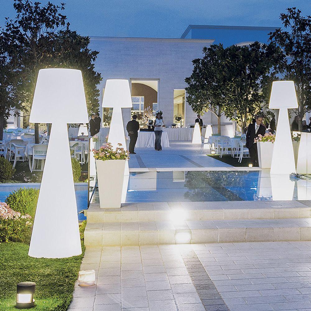 Pivot lampada da terra slide in polietilene diverse for Terra per giardino
