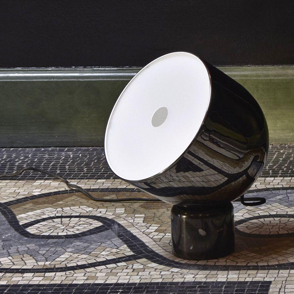 Lampade Da Tavolo In Marmo : Faro lampada da tavolo in metallo e marmo sediarreda