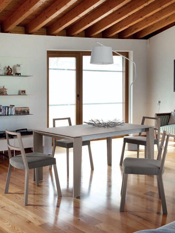 torque stuhl domitalia aus holz gepolsterter sitz mit stoff bezogen in verschiedenen farben. Black Bedroom Furniture Sets. Home Design Ideas