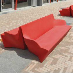 kami yon sofa slide aus polyethylen auch f r den garten auch mit sitzkissen und. Black Bedroom Furniture Sets. Home Design Ideas