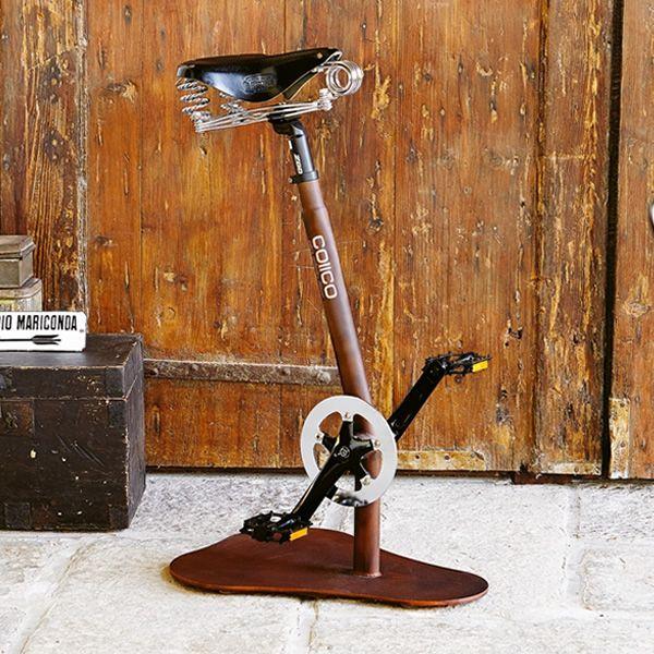 Pedal design hocker mit pedalen und satellf rmigem sitz for Barhocker fahrrad