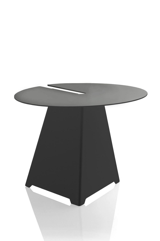 Abra designer couchtisch von b line aus metall in for Designer couchtisch anthrazit