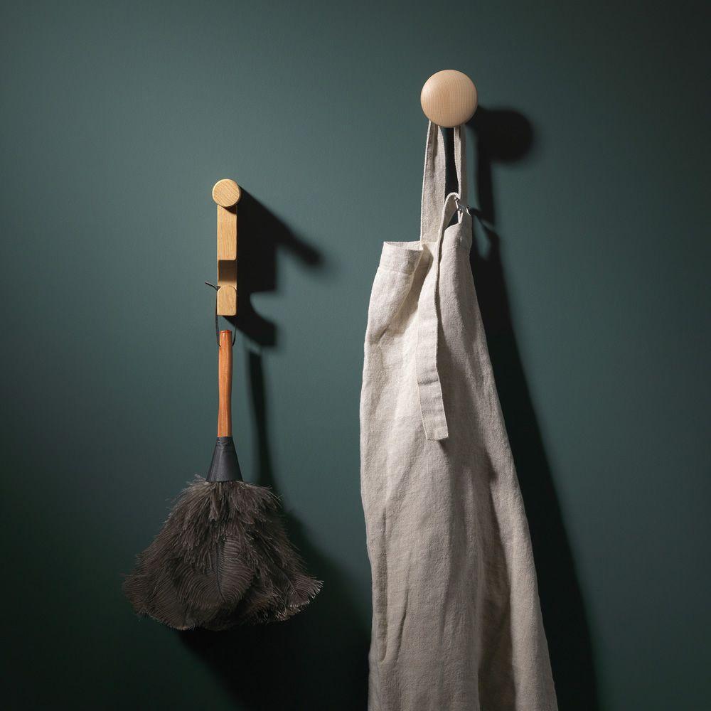 Frank gancho perchero de pared de madera en distintos for Gancho adhesivo pared