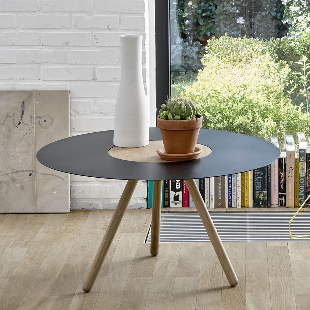 sputnik table basse ronde universo positivo en bois et m tal sediarreda. Black Bedroom Furniture Sets. Home Design Ideas