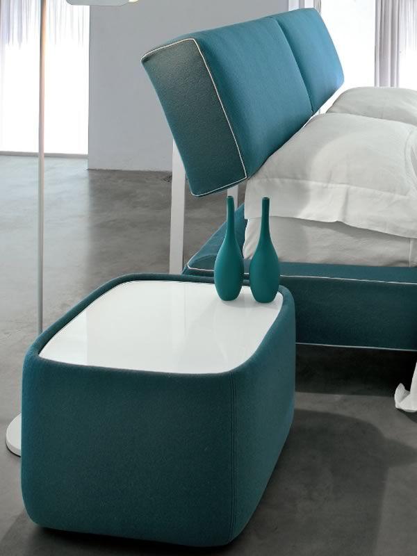 teeny 7337 nachttisch tonin casa mit stoff leder oder kunstlederbezug auch mit led. Black Bedroom Furniture Sets. Home Design Ideas