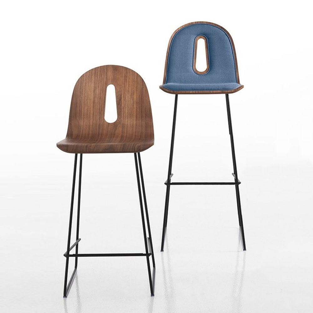 gotham woody soft sg designer hocker f r bars und restaurants aus metall mit holzsitz mit. Black Bedroom Furniture Sets. Home Design Ideas