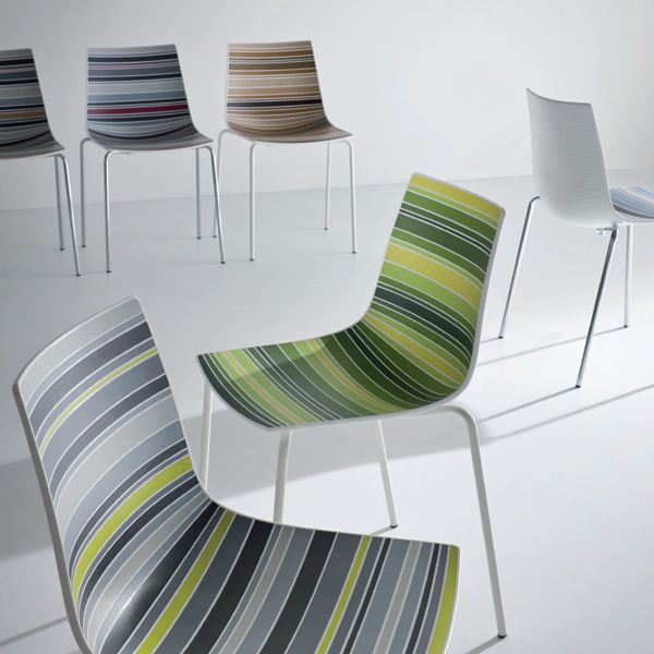 Colorfive chaise de design en m tal et technoplym re for Chaises colorees