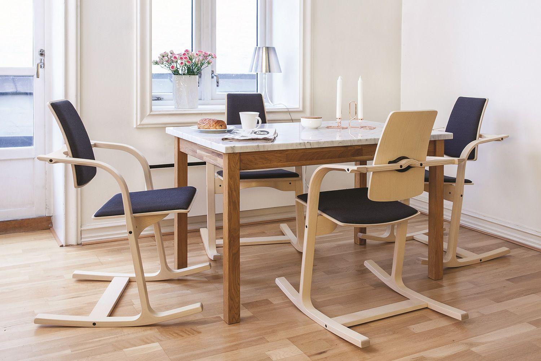 Actulum chaise vari r actulum en bois avec accoudoirs for Chaise ergonomique