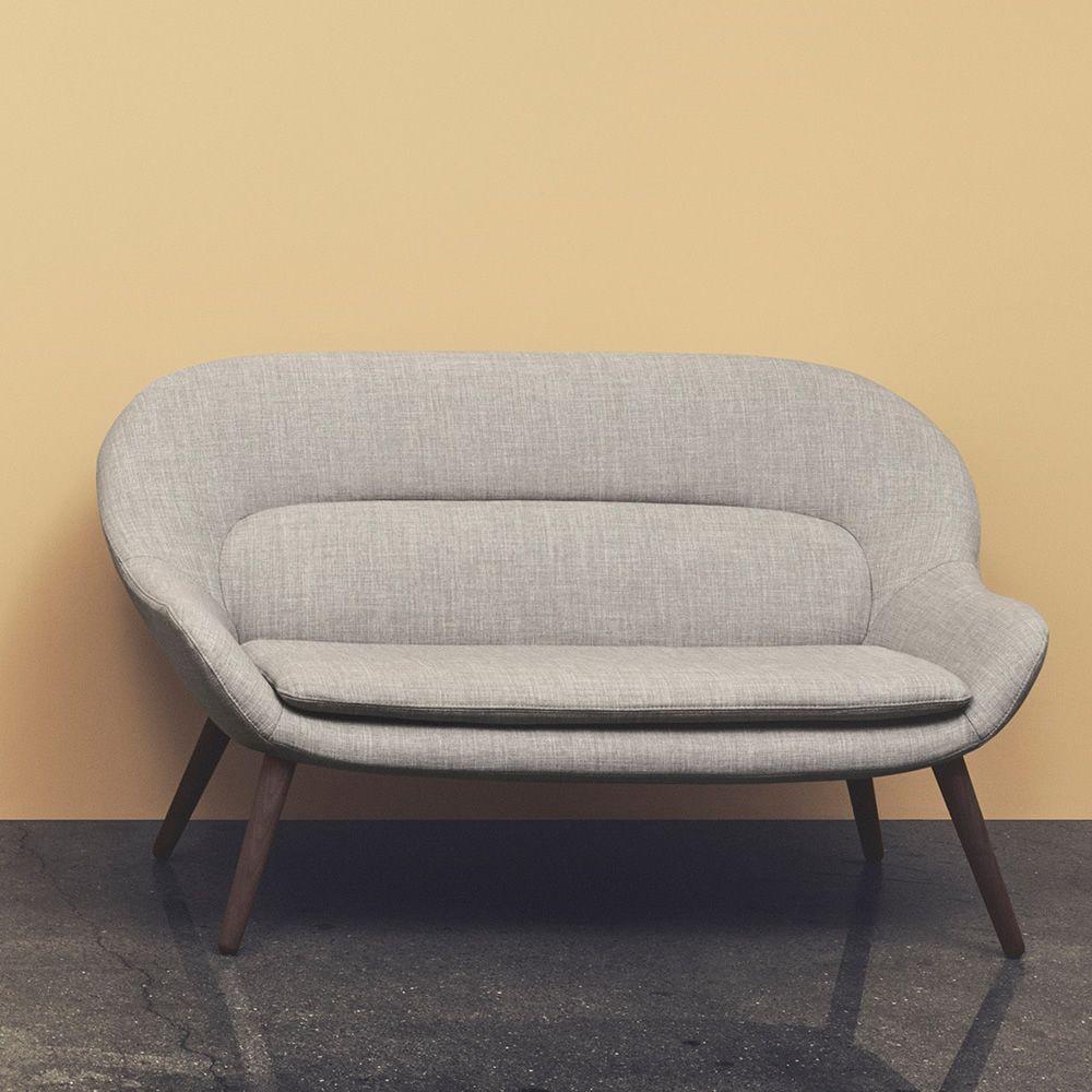 Philippa 2 Sitzer Sofa Mit Holzbeinen Bezug Aus Stoff